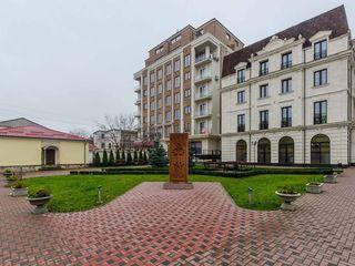 Vânzare, Centru, 3 dormitoare + salon spațios, 118 mp, bloc de elită, 147 500 €