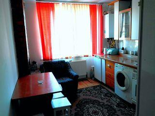 1-комнатная меблированая кв-ра с автономным отоплением в Яловень по ул. P.Stefanuca. Цена:16 999евро