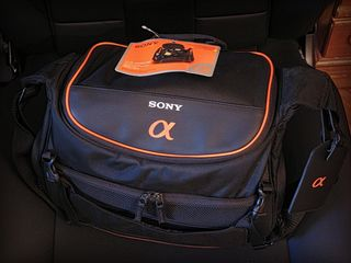 Новая сумка sony lcs-amsc30