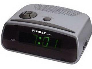 Часы с радио First Akai Vitek!Гарантия 1 год!Бесплатная Доставка за 2 часа по Кишиневу!