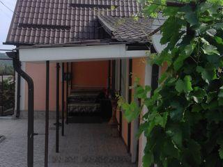 Продам  дом 18 км  от Кишинева по трасе Кишинев-Тирасполь