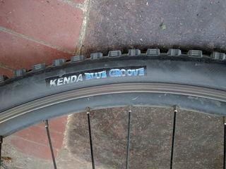 Покрышки Kenda 26x2.1 по 100 лей