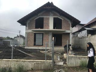 Хороший, недостроенный дом на Рышкановке.