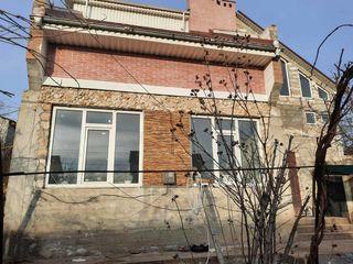 Мун.Кишинева,  Будешты  , Центр 200 М2,серый вариант