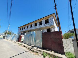 Spre vânzare townhouse! 180 m2 în  variantă albă! Zonă liniștită!