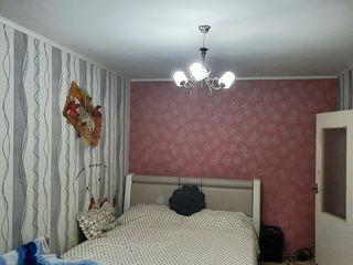 Buiucani! str. Alba Iulia, apartament cu 2 odai, etajul 3/9, termopane, reparatie cosmetica!