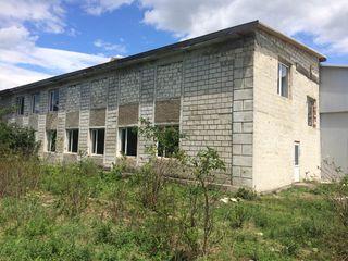 Se vinde construcţie comercială (încăperi nelocative)