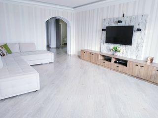 Apartament cu 3 camere super spatios