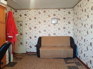 De vinzare apartament cu 2 odai, etajul III, zona Stimul, Cahul