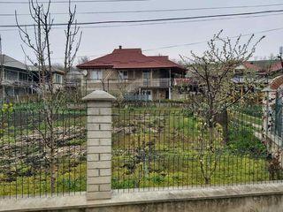 Красивый дом в центре села Грушево