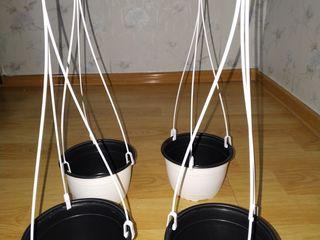 Ghiveci cu agațător suspendabil pentru balcon, terasa etc. Alb.