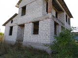 Недостроенный дом в Бричанах
