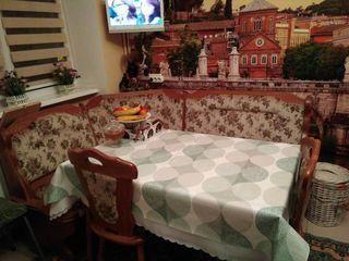 Румынский кухонный уголок б/у