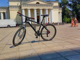 Продам новый велосипед giant 3700 леев