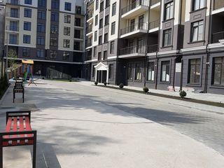 Apartamente cu 3,4 si 5 odăi la etajul 6 (in 2 nivele) centru, 600 euro