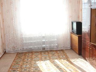 Отличная 3-х комнатная в тихом районе.