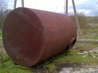 Vind cisterne folosite, pret negociabil, starea buna, se afla in Chisinau