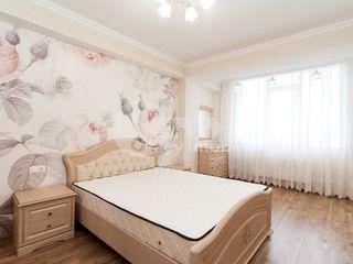Apartament cu 2 camere, reparație euro, 72 mp, Centru 400 €