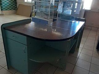 Продается кассовый стол для продов.магазина