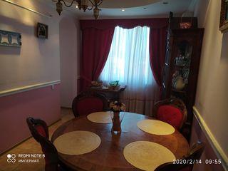 Продам шикарную квартиру большой площади  в центре Тирасполя.