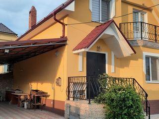 Casa in Truseni,curte - 500 euro