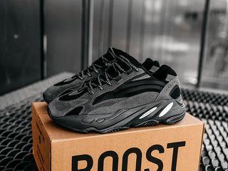 Adidas Yeezy Boost 700 V2 Black