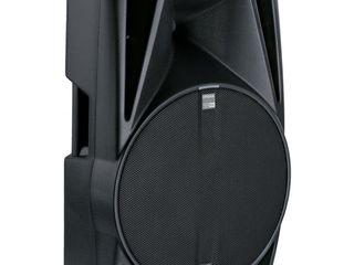 Продаю две активные профессиональные колонки dB technologies 715 dx  в идеальном состоянии в чехлах.