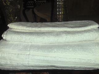 Продам комплект  полотенец из хлопка за 170 лей