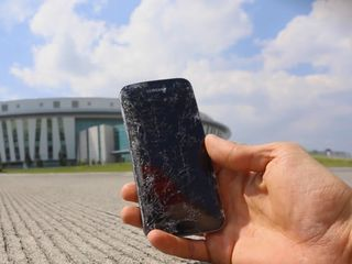 Samsung Galaxy S 7  (G930) Треснул экран – на ремонт отдавай нам!