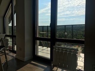 Apartament confortabil de vinzare cu 3 camere in bloc locativ situat la margine de padure