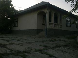 se vinde casa noua