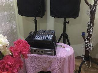 Aparatura , Micser, Usiliteli,  Boxe ,Cabluri, Microfon, totul  la 12000 lei !      Pentru Nunti,  C