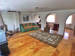 Vadul lui Voda два дома 35м2 автономное отопление и 120м2  Бассеин ,Терраса, гараж 38500евро