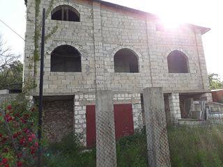 Se vinde vila nefinisata cu sector de 6.a la 3 km de Buiucani !