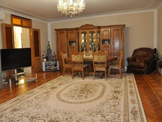 178 кв. м., малоквартирный дом, Буюканы143 000 €