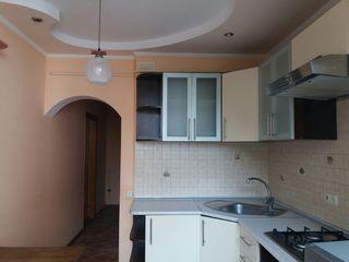Vand apartament cu o odaie, Calarasi, Bojole 39, euroreparatie, incalzire autonoma, subsol, etajul 1