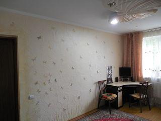 Недорого Две квартиры (1кв.+ 2кв. = 3х ком квартира). Цена 31 950 за 2 квартиры, 90м2. Торг