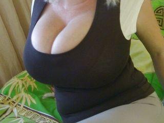 Зрелая приятная блондинка. взрослая 40лет