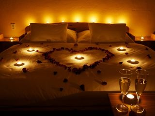 R. Relax with your sweetheart at a romantic evening
