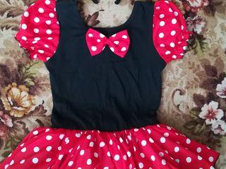 "Vând rochiță ""Minnie""."