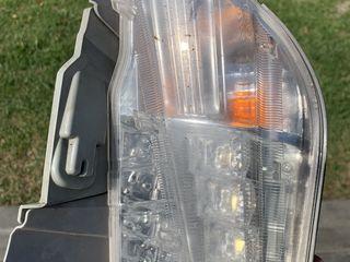 Продам лэд в бампер с поворотником левый приус плюс 2012 / prius plus