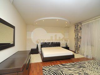 Zonă rezidențială, Centru, casă cu 3 nivele, 2300 euro !
