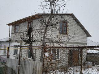 2-этажный дом в районе ЦРБ г.Рыбница, требующий окончания ремонта=$24990