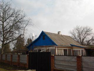 Продам дом в селе Красное 15 000$. Возможен торг.
