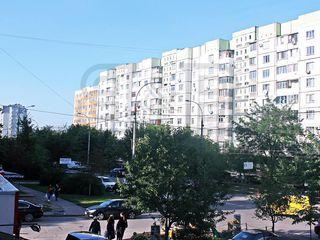 Apartament cu 5 odăi în sectorul Posta Veche