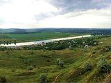 Teren p/t constructii linga riul Nistru 50 de metri de llinga riu.