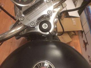 Harley - Davidson 883