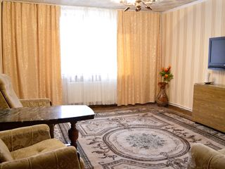 Chirie, casă cu 3 camere, centru, str. Odesa, 75 m2 , curte separată