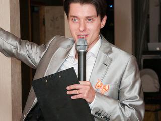 Русскоязычный ведущий,артист театра и кино.