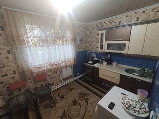 Apartament cu 4 odai urgent